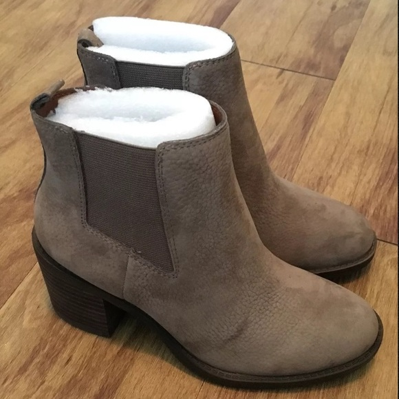 22cc93daeaa8 NEW - Lucky Brand Ralley Bootie- Size 5M